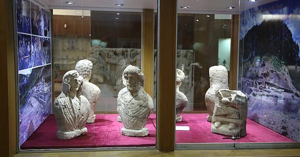 Sağlık kenti Gökçeseki ören yerinden bulunan tarihi eserler karaman müzesinde sergileniyor. Mutlaka görün