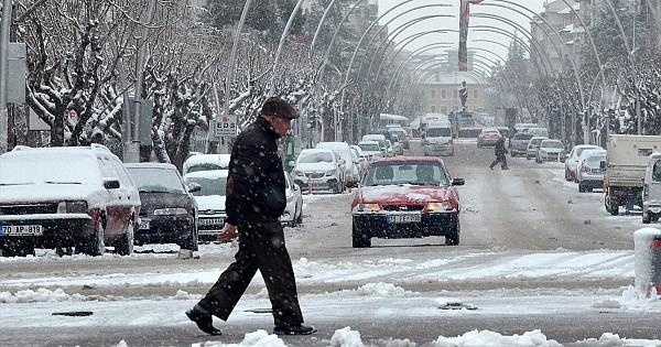 Karaman'dan kar yaşamı olumsuz etkiliyor