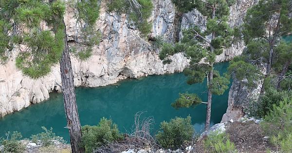 Tüm güzelliğiyle Ermenek baraj gölü ve Nadire kanyonu