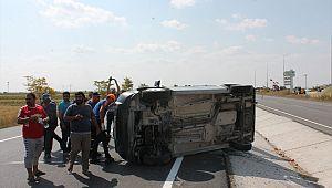 Hafif ticari araçla tır çarpıştı: 5 yaralı