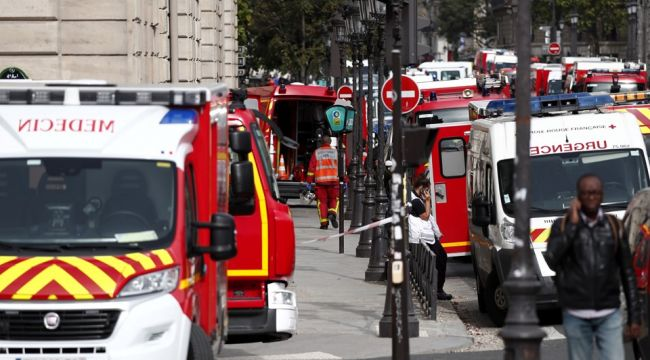 Fransa şokta, polis memuru 4 polisi öldürdü
