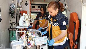 Anne hemşire, kızı doktor. Aynı serviste hayat kurtarıyorlar