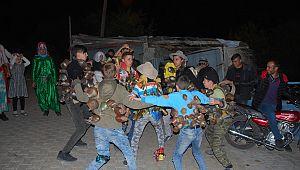 """Bardas köyünün gençleri yüzlerce yıllık """"Tekecik gezmesi"""" seyirlik oyununu yaşatıyorlar"""