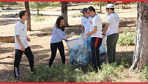 Ermenek'te öğrencilerden çevre temizliği