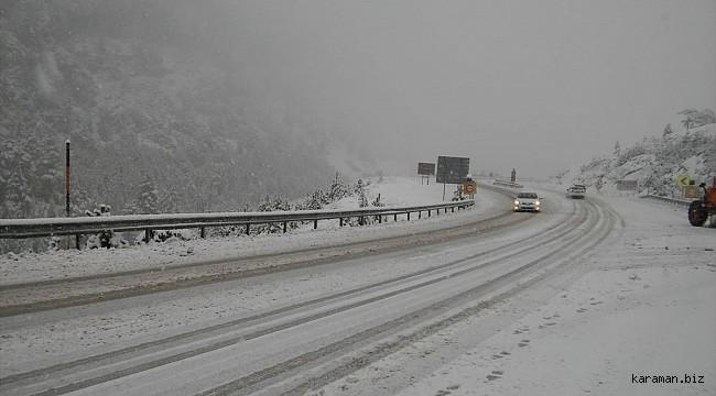 Antalya'ya gidecekler dikkat: Konya-Antalya kara yolunda kar yağışı devam ediyor