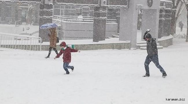 Karaman'ın 3 ilçesinde okullar tatil. Merkez için çocuklar Vali Amcalarından haber bekliyor