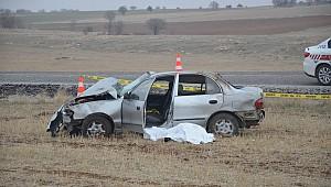 Yaşlı karı kocayı trafik kazası ayırdı