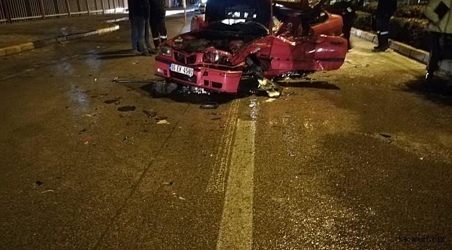 Yol süpürme aracına çarpan otomobilin sürücü öldü