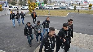 Polis başarılı operasyonla yakalamıştı. Afgan torbacılar tutuklandı