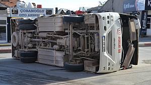 Karaman'da kaza ucuz atlatıldı. işçi servisi ile ticari taksi çarpıştı: 11 yaralı