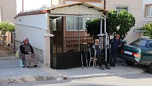 Karaman'da yaşlı amca fren yerine gaza basınca kaza yaptı