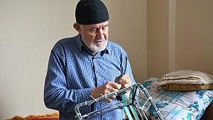 Koronavirüs Karaman'da evden çıkamayan Osman Dede'yi sepet ustası yaptı