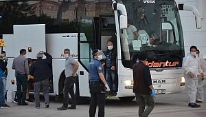 Tam 15 otobüsle geldiler, Karaman'da Hatuniye Yurduna yerleştirildiler