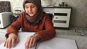 Allah nazarlardan sakınsın. Ortaokul öğrencisi görme engelli Ravzanur 12 ayda hafız oldu
