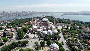 Evliya çelebi'ye göre Ayasofya'nın bazı mermerleri Karaman'dan gitmiş
