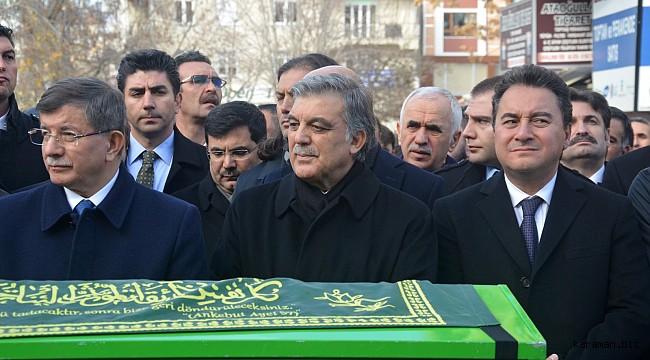 DEVA Genel Başkanı Babacan, gazetecilerle bir araya geldi