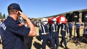 Hatay'da şehit düşen Jandarma Uzman Çavuş Konukcu, son yolculuğuna uğurlandı