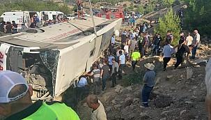 Mut'ta askerleri taşıyan otobüs devrildi: 5 şehit, 27 yaralı
