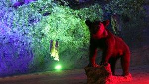 5 bin yıllık tuz mağarası kapılarını yeniden ziyaretçilerine açtı