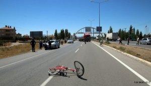 Sivas'ta otomobilin çarptığı bisiklet sürücüsü öldü