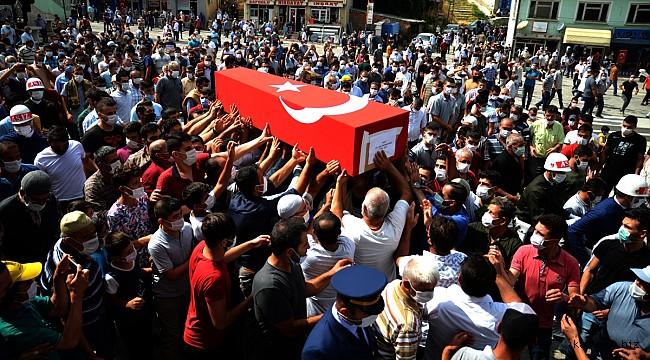 Civan gibiydi. Trafik kazasında hayatını kaybeden Asteğmen Mahmut Dağlı, sarayönü'nü yasa boğdu