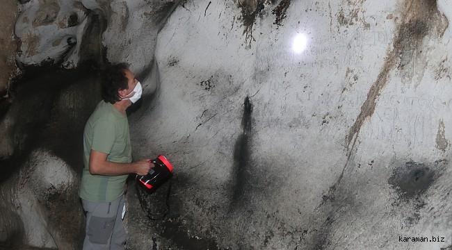 """Mağara duvarında 1700 yıllık """"hatıra yazıları"""" tespit edildi"""
