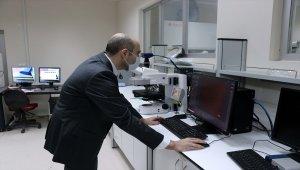 """ABD'deki kariyerinden vazgeçen doçent Türkiye'de """"nanoteknolojik şifre"""" için çalışıyor"""