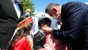 Cumhurbaşkanı Yardımcısı Oktay, Kırıkkale'de yüksek hızlı tren şantiyesinde incelemelerde bulundu