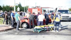 Kayseri'de polis aracıyla otomobil çarpıştı: 2'si polis 5 yaralı