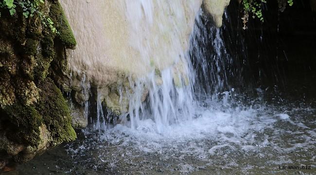 Köylüler, doğa harikası şelalenin turizme kazandırılması için imece usulüyle yaya yolu yapıyor