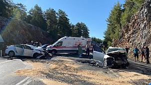 Antalyadaki trafik kazasında polis memuru ve 5 yaşındaki oğlu öldü