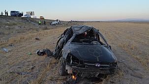 Bayram öncesi kaza haberleri ardı ardına geliyor. Aksaray'da hafif ticari araç ile otomobil çarpıştı: 2 ölü, 7 yaralı