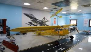 Aksaray Gençlik Merkezi öğrencileri yaptıkları 7 metre uzunluğundaki model uçakla Guinness'i hedefliyor