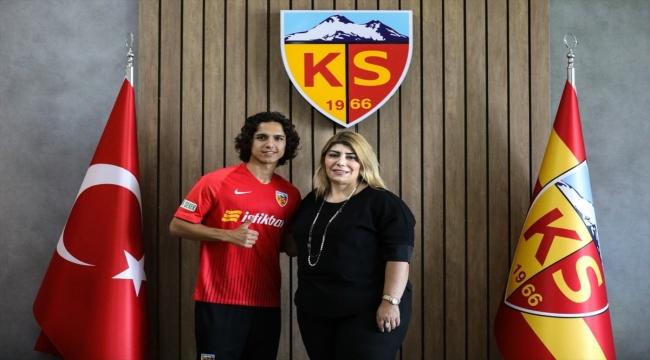 Kayserisporlu Emre Demir, Barcelona'ya transfer oldu