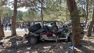 Afyonkarahisar'da öğrenci servisi kazasında 5 öğrenci hayatını kaybetti