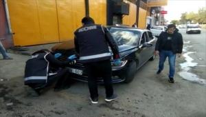 Kırıkkale'de otomobilin motor kısmına gizlenmiş tabanca bulundu